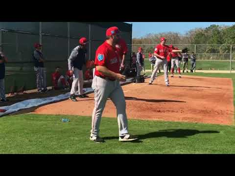 Pedro Martinez helps Brandon Workman make adjustments on the mound during bullpen session (video)
