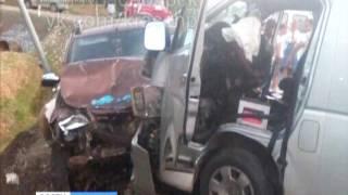 В Балахтинском районе микроавтобус столкнулся с внедорожником, пострадали 9 человек(, 2016-08-29T05:48:33.000Z)