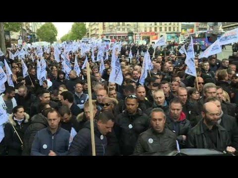 Police protest in Paris