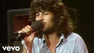 Deep Purple - Smoke On The Water (Live)(Music video by Deep Purple performing Smoke On The Water with Interview. Deep Purple (Overseas), 2012-04-03T17:51:02.000Z)