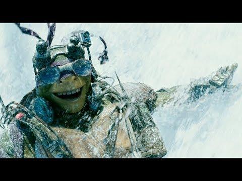 """Погоня на спуске снежной горы - """"Черепашки нинзя"""" отрывок из фильма"""