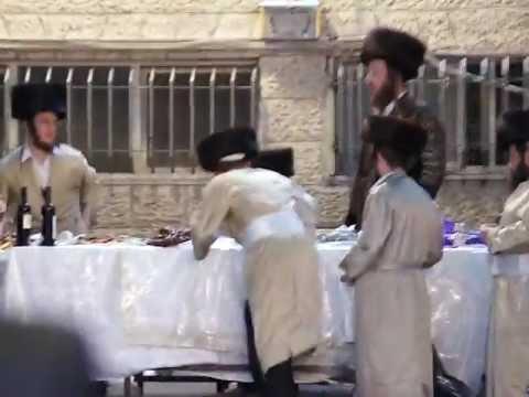 Purim Tish in Meah Shearim 2012/5772