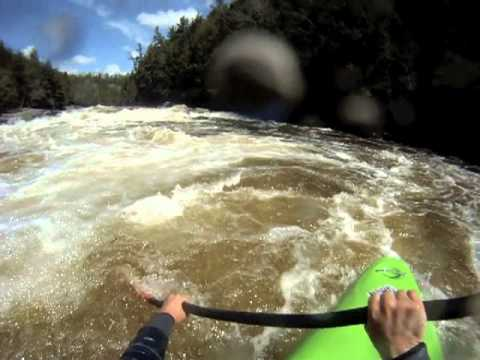 Kayaking the Rouge at 240 cms (Seven Sisters / Sept Soeurs section)