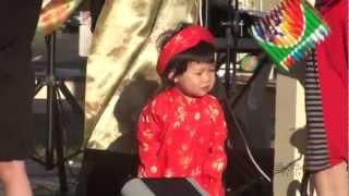 Bé vui với Tết Trung Thu 2012 - Mid Autumn Festival - Rước đèn tháng tám