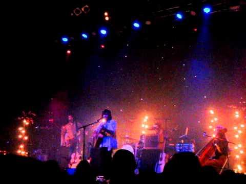 Angus And Julia Stone- Hush Live