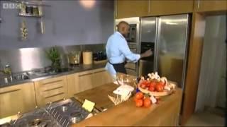 [YTP] Ainsley Harriet cooks golden Cock.