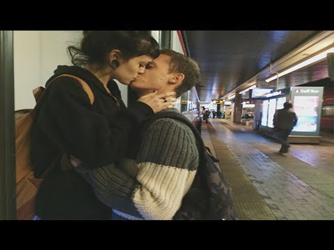 Cute Couple ~ Long Distance ♥ {1650KM}