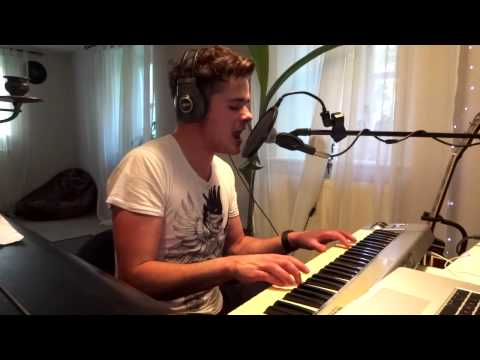 Writing's On The Wall - Sam Smith (Official James Bond SPECTRE Theme - cover)