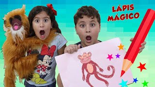 Maria Clara e JP compram canetinhas mágicas que transformam desenhos em vida!