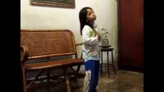 "Tarian ""Lagu Untuk Mama Papa"" by Mia usia 4 th, 10 bln di Palembang."