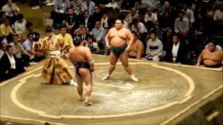 Sumo - um combate - Torneio de Setembro, Tóquio - 2013