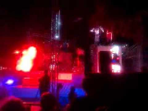 Espectáculo da companhia Ale Hop na Summer Parade, ALBUFEIRA - ALGARVE - PORTUGAL - 11/06/2011