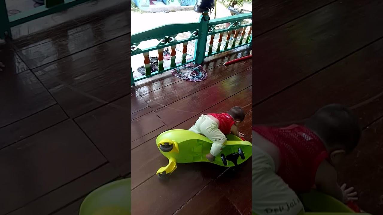 Kết quả hình ảnh cho bé chạy ngã