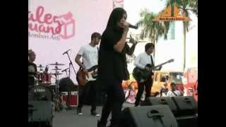 Kebyar-Kebyar (Cover) By Kikan @ Bundaran Hotel Indonesia