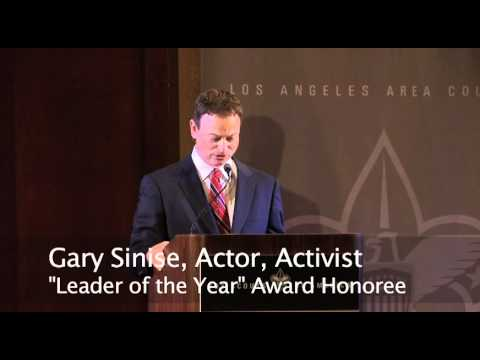 Gary Sinise Speech at the Business Leaders' Breakfast - YouTube