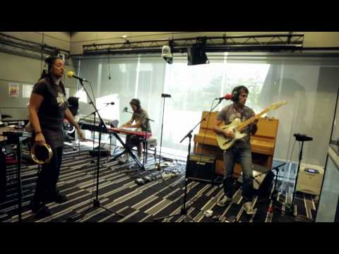 The Sweet Vandals - Feel Alive live at BBC, The Craig Charles Funk & Soul Show 27/9/2013