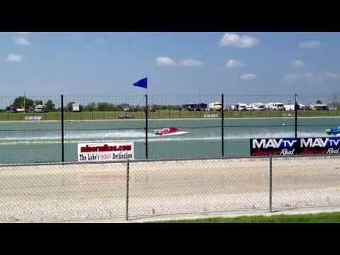The boat races at lake of the ozarks Lucas oil speedway
