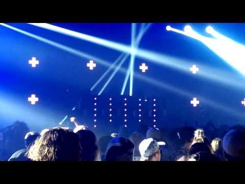 San Holo - We Rise + Light (Live at LAN Day 1 2016-2017)