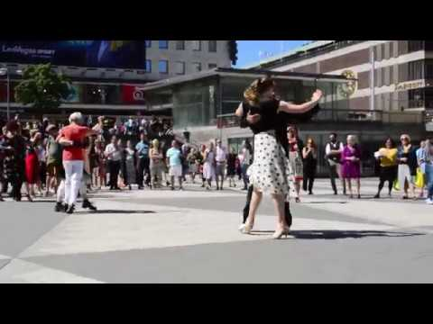 Tango en la Plaza Sergels (Estocolmo) - Tango på Sergels Torg (Stockholm)