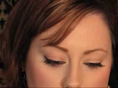 How To: Apply False Lashes {Makeup Geek} thumbnail
