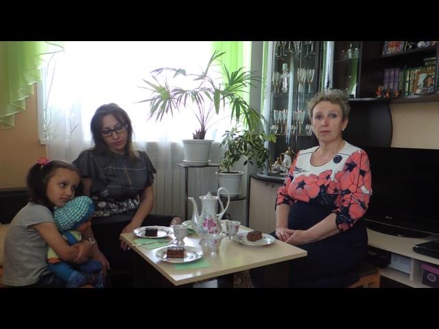 Изображение предпросмотра прочтения – НатальяЧернышова читает произведение «Три мамы» Е.В.Серовой