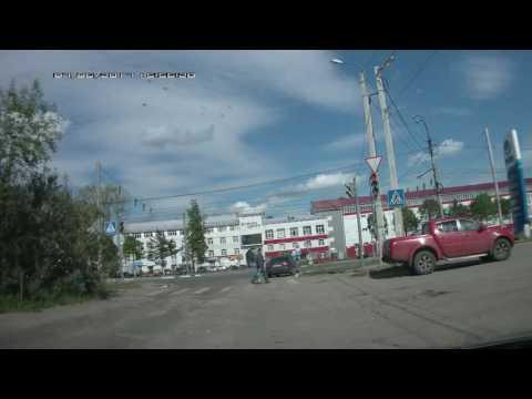 Иваново: маленький ребенок за рулем авто