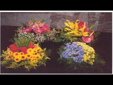 Clique e veja o vídeo Treinamento de Florista - Arranjos de Flores