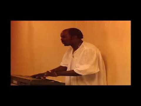 Mbongo and the gospel keynotes - O phakise