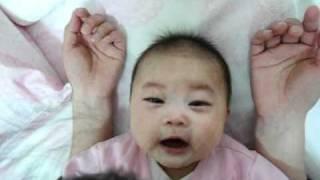 小寶寶 baby 可愛的反應