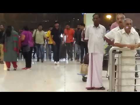 Dulqer Mass Entry to Airport