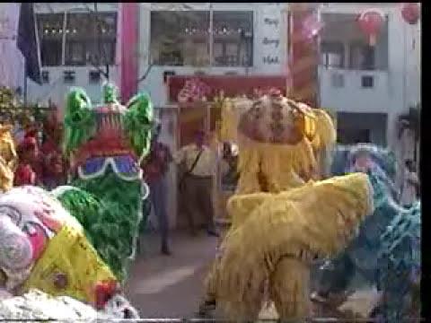 Doan Lan Phu Dong Q.6, cung Tat Nien la lam le khai quang diem nhan tai Chua Ba phuong 1-Q,6 P.1.mpg