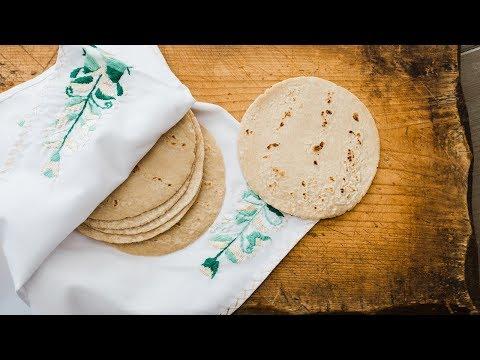 How to Make Corn Tortillas (Cómo Hacer Tortillas de Maíz) | Muy Bueno
