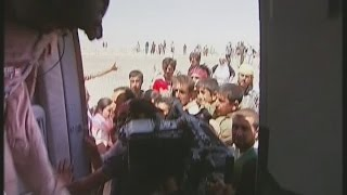 Iraq: Yazidis rescused by helicopter from Mount Sinjar