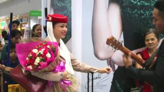 ROMANTIC PROPOSAL AT THE PHILIPPINES INTERNATIONAL AIRPORT...LOVE HAS NO BORDERS