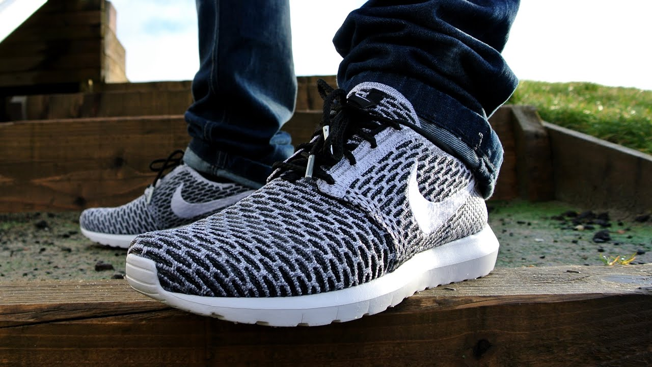 Roshe Run Flyknit Black