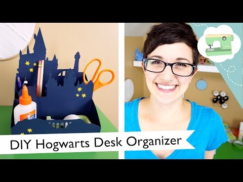 DIY Hogwarts Desk Organizer   @laurenfairwx