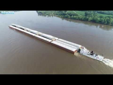 Shipping 24 Giant Wind Turbine Blades by Barge up the Mississippi River!