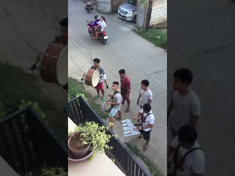 Liloan kids playing Christmas music