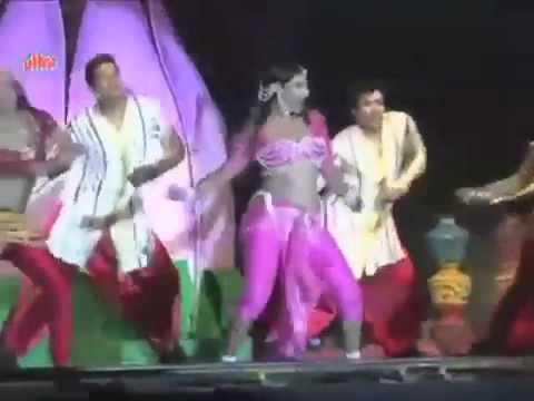 Nakka Mukka Feat Vidya Balan - YouTube.flv