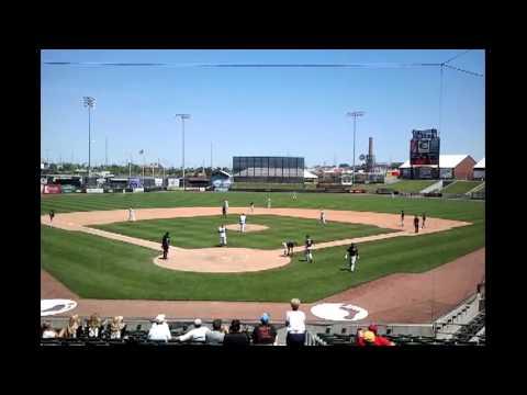 ESU Baseball falls 4-1 to Washburn to open MIAA Tournament 5-10-12