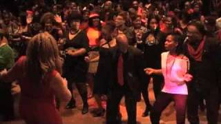 Purple Charlotte Steppers Wobble with Club Tempo