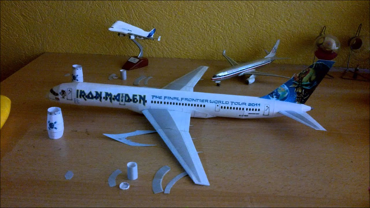 Papercraft Iron Maiden Ed Force One Papercraft (Boeing 757 with Rolls Royce RB 211 engines)