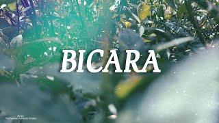 TheOvertunes - Bicara (Lyrics) ft. Monita Tahalea