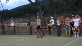 Korfballend Basketballen op L'arche