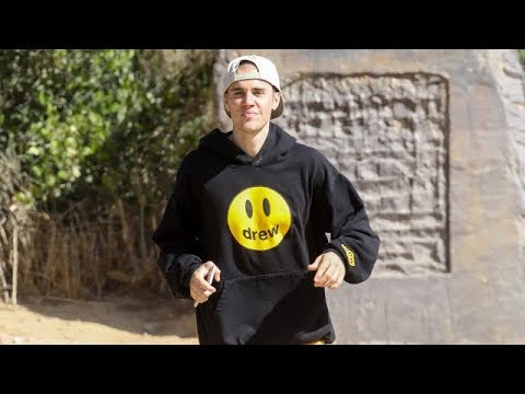 "Justin Bieber Runs The Hollywood Hills Showing Off His ""Drew"" Hoodie"