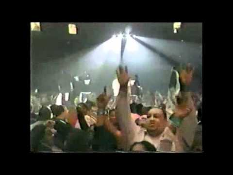 """Jay-Z & M.O.P. """"U Don't Know (Remix)"""" Live Performance 2003 (Roc-A-Fella On Showtime)"""