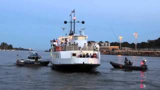 poliisi ratsasi suomenlinnan lautan