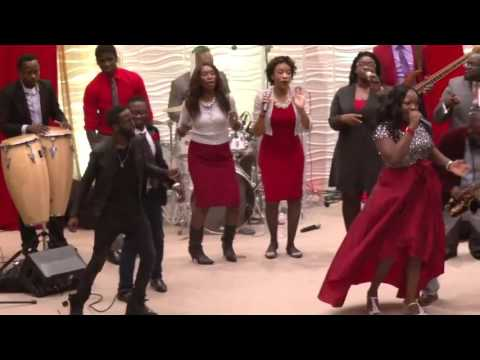TYE TRIBBETT - AFRICAN PRAISE