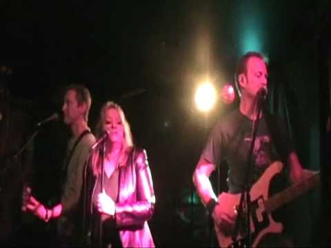 """Phoenix Rising Performs Roxette's """"She's Got The Look"""""""