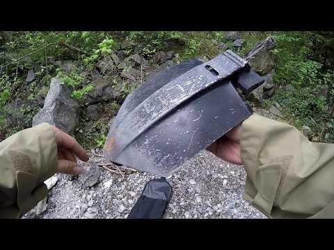 SOG Elite Entrenching Tool, Klappspaten schwarz im Griff untergebrachte Säge